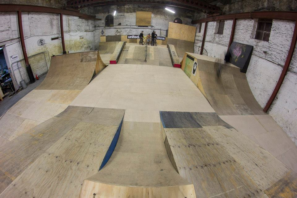 Guide to motion ramp park skatepark for Indoor skatepark design uk